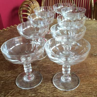 9 coupes champagne cristal