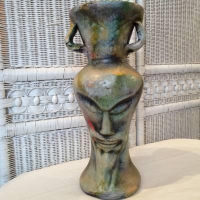 vase anthrpomorphe