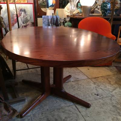 table ovale scandinave